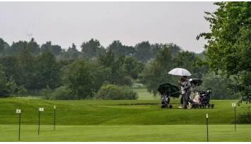 Cómo elegir un buen paraguas de golf