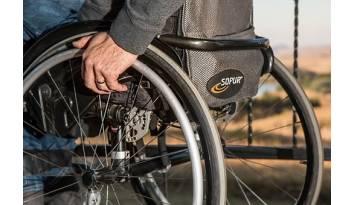 5 accesorios indispensables para una silla de rueda